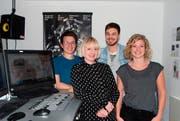 Die vierköpfige Geschäftsleitung von Radio 3fach (v.l.): Kilian Mutter (Musikredaktor), Angela Meier (Marketingleiterin), neu Samuel Konrad (Programmleitung) und ebenfalls neu Kim Schelbert (Geschäftsleiterin). (Bild: pd)