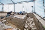 Die gefundenen Gräben zeugen von einstigen Kapellenmauern. (Bild: Pius Amrein (13. Dezember 2017))