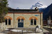 Die Zentrale des Kraftwerks Gurtnellen beherbergt modernste Technik (Bild: PD)