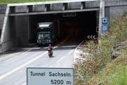Blick auf das Nordportal des Tunnels Sachseln. (Archivbild Robert Hess/Neue OZ)