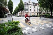 Die Kreuzung Bruchstrasse/Pilatusstrasse. Hier haben Velofahrer auf der Bruchstrasse ab Juli Vortritt. (Bild Manuela Jans-Koch)