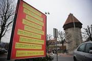 Mit dem Plakatvertrag wird die Plakatierung auf öffentlichem Grund und auf den Grundstücken der Stadt Luzern geregelt. (Bild: Archiv Neue LZ)