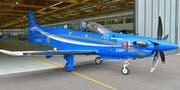 Der 100. PC-21 dverlässt die Produktionshalle der Pilatus Flugzeugwerke in Stans. (Bild: Pilatus Aircraft Ltd.)