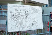 Das Fasnachtsplakat zeigt den CVP-Kandidaten für das Gemeindepräsidium, Walter Lipp, als Marionette. (Bild: Maria Schmid (Baar, 12. Februar 2018))