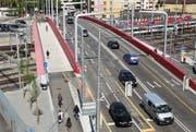 Die Langensandbrücke in Luzern erhält demnächst den Deckbelag. (Bild Manuela Jans/Neue LZ)