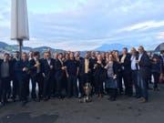 Die Brassband feiert vor dem KKL: (Bild: PD (Luzern, 23.September 2017))