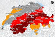Die Lawinengefahrenkarte für den Montag, 22. Januar 2018. Dunkelrot entspricht der Gefahrenstufe sehr gross (fünfte Stufe). Dies ist die höchste Stufe. Rot entspricht der Gefahrenstufe gross (vierte Stufe). (Bild: Screenshot Naturgefahrenkarte www.naturgefahren.ch (22. Januar 2018))