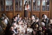 «Die göttliche Ordnung» thematisiert Schweizer Politikgeschichte. Hinten Marie Leuenberger als Hauptprotagonistin. (Bild: Filmcoopi)
