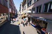 Die Hertensteinstrasse in Luzern: Beliebte Einkaufsmeile. (Symbolbild LZ)