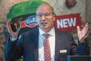 Emmi-CEO Urs Riedener an der Bilanzmedienkonferenz in Luzern. (Bild: Urs Flüeler/Keystone (5. März 2018))