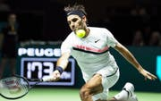 epa06525500 Roger Federer of Switzerland in action against Ruben Bemelmans of Belgium during their first round match of the ABN AMRO World Tennis Tournament in Rotterdam, Netherlands, 14 February 2018. EPA/KOEN SUYK (Bild: KOEN SUYK (EPA))