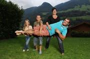Peter Imfeld ist Titelverteidiger. Hier auf dem Bild zusammen mit Frau Marie-Louise, Tochter Lianne und Sohn Laurin. (Archivbild Corinne Glanzmann / Neue NZ)