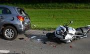 Auffahrkollision zwischen einem Motorrad und einem Auto. (Bild: Luzerner Polizei)