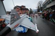 Der Gripen war auch ein Thema am Umzug in Altdorf. (Bild: Urs Hanhart / Neue UZ)