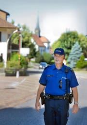 Viktor Tschopp (54), Polizist am Posten Pfaffnau, ist auch für die Sicherheit des Nachbardorfes Roggliswil (Bild) besorgt. (Bild Nadia Schärli)