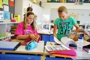 Der Lehrplan 21 wird einige Veränderungen bringen, die mehrheitlich begrüsst werden. Im Bild Schulkinder aus Nebikon im vergangenen Sommer. (Bild: Corinne Glanzmann / Neue LZ)