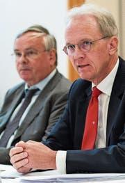 Der Gewerbeverband um Direktor Hans-Ulrich Bigler (rechts) und Präsident Jean-François Rime kritisiert die Rentenreform scharf. (Bild: KEY)