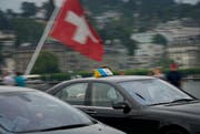 Symbolbild: Auf dem Bild zu sehen sind Taxis der Fahrt über die Seebrücke in Luzern. (Bild: Pius Amrein / Neue LZ)