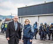Heinz Niederberger, Gwärb Hochdorf, mit IPH-Direktorin Irene Schönbächler. (Bild: Nadia Schärli (11. Januar 2018))