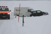 Schneefälle führten heute Morgen in der Region zu Unfällen und Verkehrsbehinderungen. (Archivbild Kantonspolizei Schwyz)