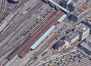 Das Gebäude befindet sich südlich des Güterbahnhofs in der Nähe des Hotels Radisson. (Bild: Screenshot Google Maps)