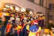 Sorgten am Chesselwy in der Zuger Altstadt für fasnächtliche Stimmung: Die Guggenmusigen Belcantos aus Baar (Bild Maria Schmid)