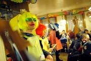 Schnitzelbank im Restaurant Sonne in Reiden. Auf dem Bild zu sehen sind die «Ploudertäsche 2013». (Bild: Pius Amrein / Neue LZ)