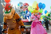 Das Mario-Kart-Sujet der Gruppe Dooq wurde vom Publikum zur besten Umzugsnummer gewählt. (Bild: Boris Bürgisser / Neue LZ)