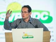 Auch Nationalratskandidat und Weltwoche-Chefredaktor Roger Köppel kritisierte die Asylpolitik von SP-Bundesrätin Simonetta Sommaruga vor den SVP-Delegierten scharf. (Bild: KEYSTONE/ENNIO LEANZA)