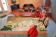 Das Kernstück des Info-Centers in Andermatt: das Modell im Massstab 1:1000. (Bild Sven Aregger/Neue UZ)