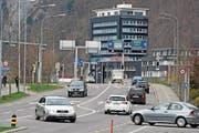 Die am meisten befahrene Kantonsstrasse in Nidwalden ist die Stansstaderstrasse beim Länderpark. (Bild: Corinne Glanzmann (Stans, 22. März 2017))