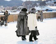 Wohlhabende in St. Moritz. (Bild: Gian Ehrenzeller/Key (28. Januar 2017))
