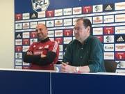 FCL-Trainer Markus Babbel (links) mit Kommunikationschef Max Fischer an der Pressekonferenz vor dem Spiel gegen Lausanne. (Bild: Sara Häusermann / Luzernerzeitung.ch)