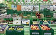 Die Gemüse- und Früchteabteilung im Cash & Carry Angehrn. (Bild: Alessandro Della Bella/Keystone)