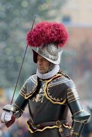 Christoph Graf, der neue Kommandant der Schweizergarde, bei einer Zeremonie. (Bild: Keystone / AP)