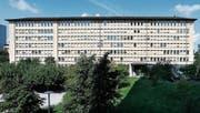 Im ehemaligen Gebäude der Landis & Gyr wird im Sommer 2019 die Stadtverwaltung einziehen. (Bild: Stefan Kaiser (Zug, 1. September 2016))