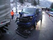 Lieferwagen kollidiert mit Sattelschlepper in Göschenen auf A2. (Bild: PD)