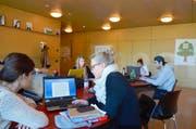 Studenten der PH Schwyz lernen zusammen auf die Semesterprüfungen, welche diese Woche starten. (Bild Anian Heierli)