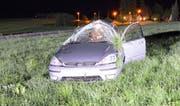 Der 28-jährige Lenker konnte diesem Auto unverletzt entsteigen. (Bild: Luzerner Polizei (Sempach, 22. Mai 2017))