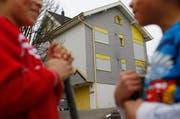 Dieses Mehrfamilienhaus in Allenwinden wird auch weiterhin als Asylunterkunft genützt. (Bild: Archiv Stefan Kaiser / Neue ZZ)