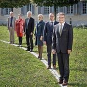 Der aktuelle Luzerner Stadtrat (von vorne): Stadtpräsident Stefan Roth (CVP), Martin Merki (FDP), Manuela Jost (GLP), Adrian Borgula (Grüne), Ursula Stämmer (SP) und Stadtschreiber Toni Göpfert. (Bild Pius Amrein)