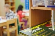 Im Kanton Nidwalden wwerden die Löhne von Kindergartenlehrpersonen an jene von Primarlehrpersonen angepasst. (Symbolbild: Jakob Ineichen)