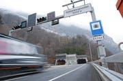 Der Kanton Uri lehnt eine totale Freigabe für Gefahrentransporte im Seelisbergtunnel ab. (Bild: Philipp Schmidli / Neue LZ)