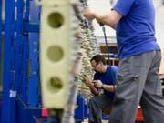Produktion der Ruag in Emmenbrücke: der Konzern stellt unter anderem Teile für die Flugzeugindustrie her. (Archiv) (Bild: Keystone/URS FLUEELER)