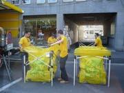 Bisher wurden die Güselsäcke von der Firma Dräcksack aufgestellt. Dies übernimmt nun die Stadt Luzern selbst. (Bild: Archiv)