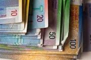 Die Schwyzer Regierung will nicht mehr soviel in den NFA zahlen. (Bild: Keystone/Martin Rütschi)