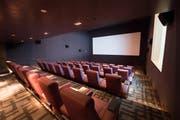 Zweistöckiges Kino mit 69 Plätzen. Und: Das wohl einzige Kino in der Schweiz mit Fenster. (Bild: Eveline Beerkircher)