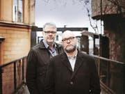 Hans Rosenfeldt (links) und Michael Hjorth schreiben zusammen sehr erfolgreiche Krimis. (Bild: PD/Appendixfotografi)