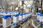 Produktion Milch im Betrieb in Suhr. (Bild: pd)