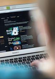 Mit dem neuen Geldspielgesetz dürfen nur noch Schweizer Unternehmen Online-Casinos anbieten. Bild (Bild: : Gaëtan Bally/Keystone)
